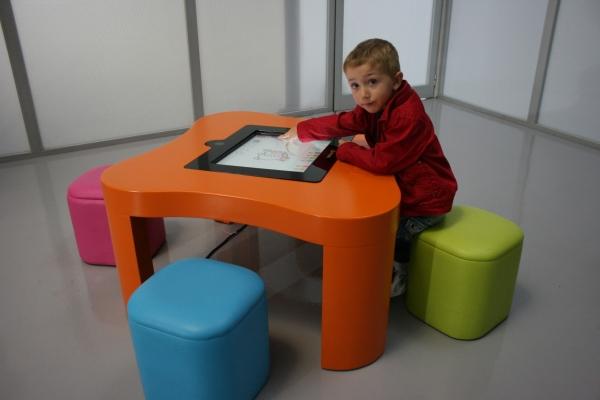 Интерактивные столы для слабовидящих детей